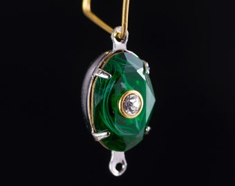 Swarovski Emerald Stone with White Swirl and Crystal Inset in 2 Loop Silver Setting (1) 14x10mm ovl010P2