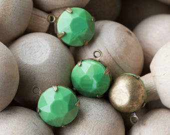 Vintage Opaque Green Faceted Glass Stones 1 Loop Brass Ox Settings 12mm rnd011K