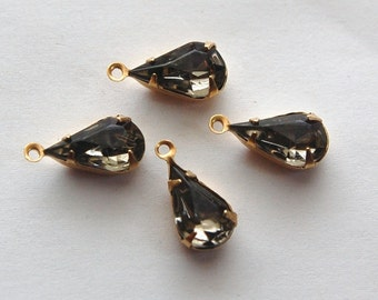 Vintage Black Diamond Faceted Glass Teardrop Stone in 1 Loop Brass Setting par003A