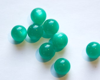 Vintage Lucite Green Moonglow Beads 11mm (10) bds833B