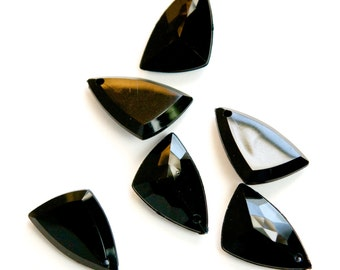 Vintage Black Acrylic Faceted Geometric Triangle Pendants chr025A