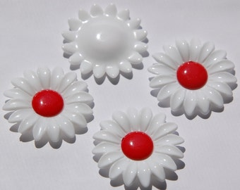 Vintage Large Crisp Red and White Daisy Cabochon cab392