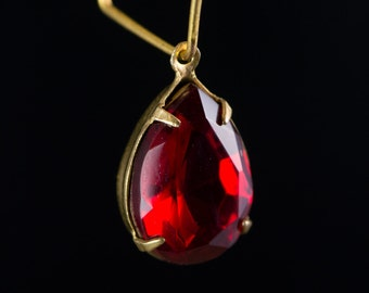 Ruby Red Faceted Glass Teardrop Stones 1 Loop Brass Setting 15x11mm (2) par009D
