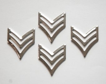 Silver Plated 2 Bar Chevron V Pendant Findings (4) mtl384B
