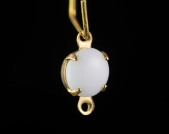 Vintage White Glass Stone 2 Loop Brass Setting Drops rnd001D2
