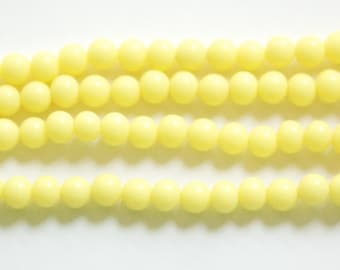 Vintage Soft Yellow Glass Beads Japan 6mm (10)  jpn001E