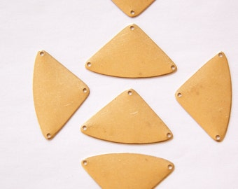 3 Hole Rounded Triangle Drops Pendants (6) mtl272A