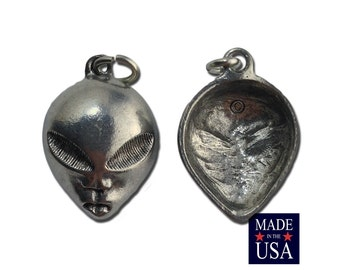 Silver Plated Pewter Alien Charms 21x17mm (2) gyb005A