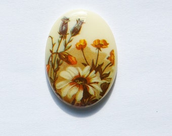 Vintage Glass Cabochon Germany White Daisy Wildflowers on Cream 25x18mm cab686