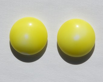 Vintage Yellow and White Glass Cabochons 18mm Germany cab706W