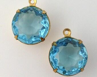 Vintage Aqua Faceted Glass Stones 1 Loop Brass Settings 15mm (2) rnd012N