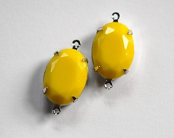 Vintage Opaque Yellow Faceted Stone in 2 Loop Silver Setting ovl004S2