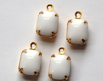 Vintage Opaque White Stones in 1 Loop Brass Setting 10mm x 8mm squ003E