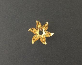 Gold Plated 6 Petal Flower Bead Cap (8) mtl071B