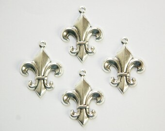 Antiqued Silver Fleur De Lis Charm Pendant Drop with Loop (6) chr188B