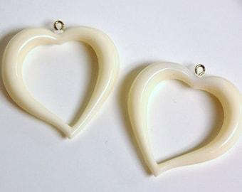 Vintage Ivory Acrylic Open Heart Pendants pnd059C