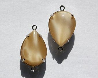 Brown Moonglow Glass Teardrop Stones 2 Loop Silver Plated Setting 18x13mm par006TT2