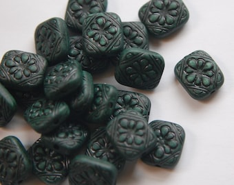 Antiqued Forest Green Etched Floral Tablet Beads bds380C