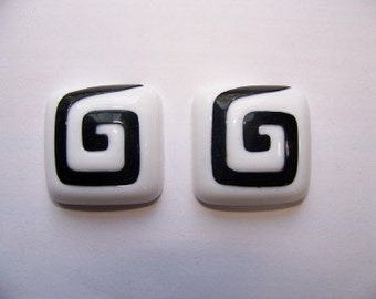 Vintage Chunky Black and White Plastic Square Cabochons 32mm (2) cab145G