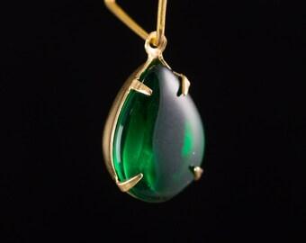 Vintage Emerald Green Glass Teardrop Stones 1 Loop Brass Settings (2) 15x11mm par009E