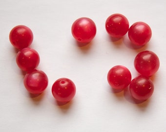 Vintage Lucite Raspberry Red Moonglow Beads 11mm (10) bds833