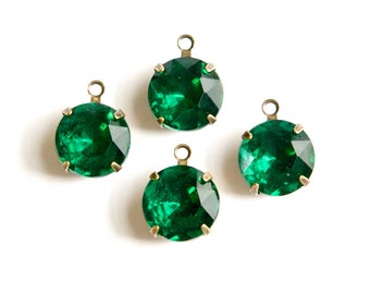 Emerald Green Faceted Glass Stones 1 Loop Brass Ox Settings 12mm rnd011FF