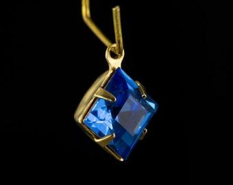 Sapphire Square Glass Stones 1 Loop Brass Setting 8mm squ002RR