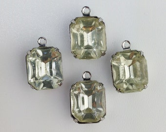 Vintage Faceted Clear Stones 1 Loop Silver Plated Setting 12mm x 10mm oct010T