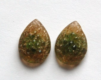 Vintage Topaz Maybe with Green Givre Sugar Rhinestones cab057G