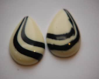 Vintage Ivory with Black Swirl Lucite Teardrop Cabochons cab767G
