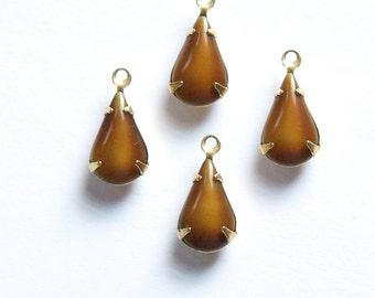 Vintage 2 Tone Brown Glass Teardrop Stone in 1 Loop Brass Setting par003XX