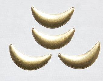 2 Hole Raw Brass Dapped Crescent Pendant Link (4) mtl083
