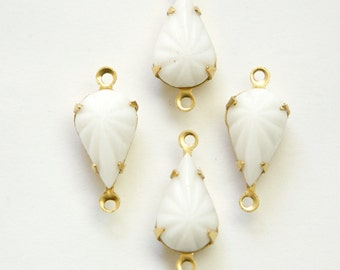 Vintage Opaque Etched White Glass Teardrop Stone 2 Loop Brass Setting par003AH2