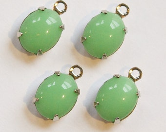 Vintage Light Jade Green Oval Stones in 1 Loop Silver Setting ovl006DD
