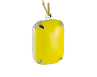 Vintage Opaque Yellow Glass Rectangle Drops in 1 Loop Silver Setting 18mm x 13mm (2) squ009S