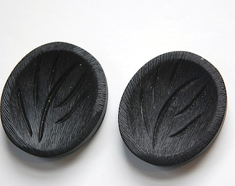 Large Vintage Black Plastic Mod Plant Tree Button LG btn018