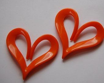 Vintage Italian Plastic Mod Orange Heart Pendant pnd090B