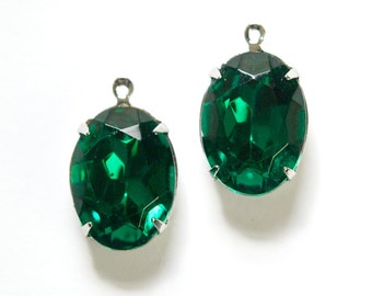Vintage Faceted Emerald Green Stones 1 Loop Silver Setting 18x13mm ovl004SS