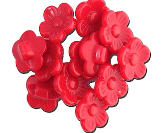 Vintage Red Plastic Flower Buttons 16mm btn005B