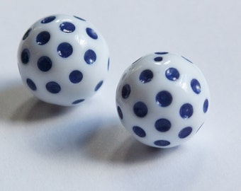 Vintage White with Navy Blue Polka Dot Beads 18mm bds436E