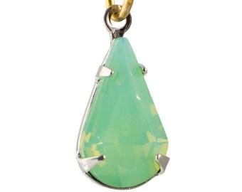 Green Opal Faceted Glass Teardrop Stone in 1 Loop Silver Setting par007AU