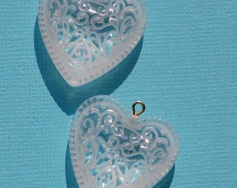 Etched and Beaded Lucite Heart Pendant Charms chr093A