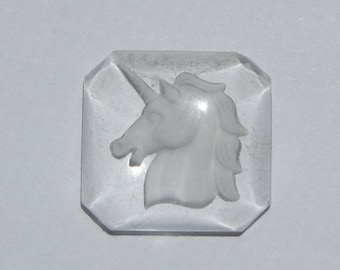 Vintage Glass Unicorn Intaglio Reverse Etched Cabochon   18mm Square int011