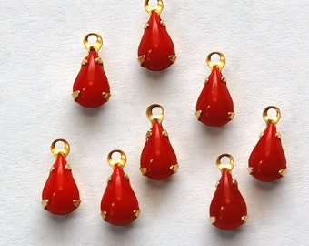 Vintage Opaque Red Glass Teardrop 1 Loop Brass Setting 8mm x 4mm par001Q