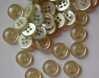 Vintage Pale Green Plastic Buttons 11mm btn015
