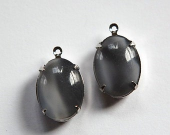 Vintage Gray Moonglow Glass Stone in 1 Loop Silver Setting ovl004AA