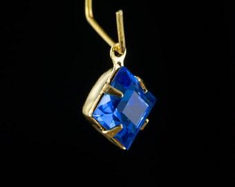 Sapphire Blue Square Glass Stones 1 Loop Gold Setting 8mm (6) squ018RR