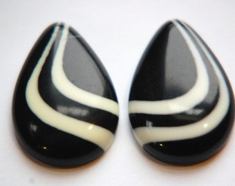Vintage Black with Ivory Swirl Lucite Teardrop Cabochons cab767H