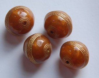 Vintage Style Amber with Gold Etching 18mm Beads bds787R
