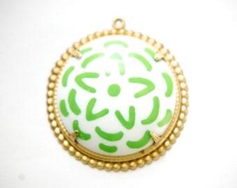 Pop Color Green Flower Cab in Brass Earrings Findings or Pendant  (2) pnd165F